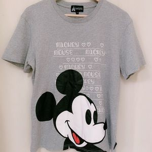 Disney Mickey Men's graphic Tee size medium